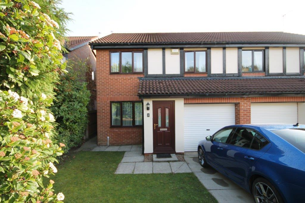 3 Bedrooms Semi Detached House for sale in Relley Garth, Langley Moor, Durham